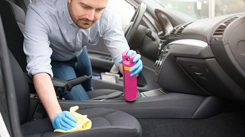 Effektive Fleckenentfernung bei Autopolstern