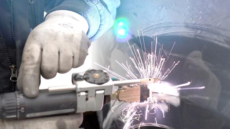 Fahrzeuginstandsetzung bei Aluminiumbauteilen