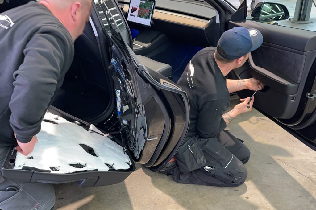 Tesla Model 3 Dämmung