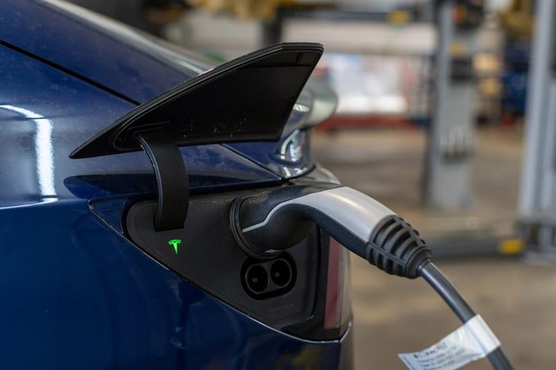 Schnellladen von Elektroautos