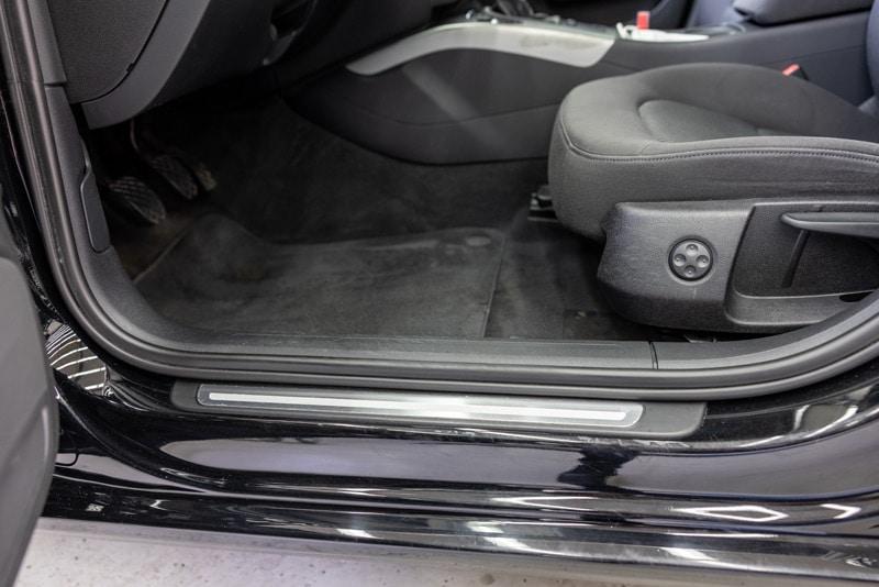 Reinigung und Pflege von Gummidichtungen am Fahrzeug